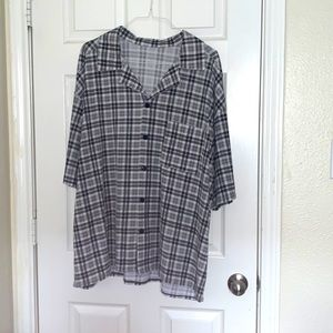 Casual short sleeve button down top